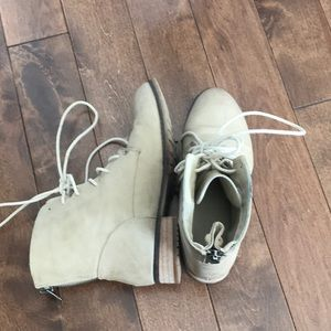 Call it Spring Lace up Boots -Tan-Size 8 (eur38.5)